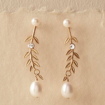 Aris Pearl Earrings