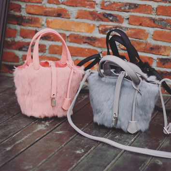 Fashion handbags on sale = 4453628420