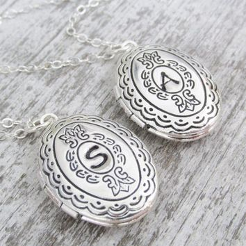 Personalized Silver Locket Necklace, Initial Locket Necklace, Bridesmaids Gift, Keepsake Jewelry, Initial Locket Necklace, Locket Jewelry