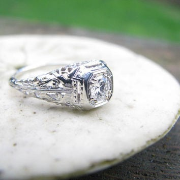 Lovely Edwardian to Art Deco 18K Diamond Engagement Ring - Old European Cut Diamond - Beautiful Filigree