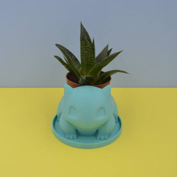 Bulbasaur planter / Turquoise Pokemon vase / Small Succulent Planter / 3D printed bulbasaur / saucer and dreinage / Mini planter