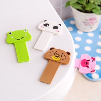 1 PC Bath Bathroom Products Cute Cartoon Toilet Cover Lifting Device Toilet Lid Portable Handle Toilet Seat Holder 10x6.2cm
