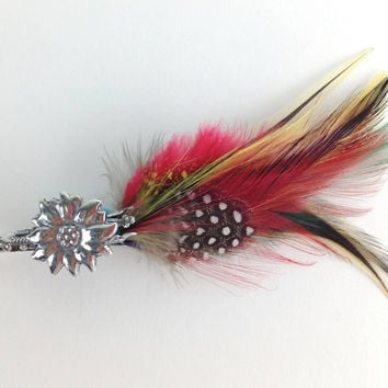 Edelweiss German Hat Pin w/ Colorful Feather