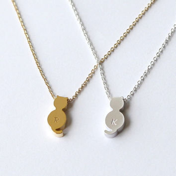 cute cat hand stamped Personalized initial necklace, cute tiny cat necklace, Dainty Necklace, Custom Necklace, gift for children, sister