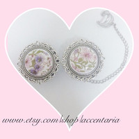 Vintage floral plugs with ear cuff