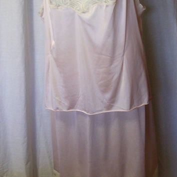 Matched Set, Vanity Fair, half slip camisole, Nude, Nylon Size Large, Lingerie
