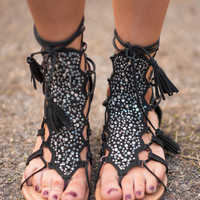 On The Low Short Gladiator Sandals With Ties (Black)