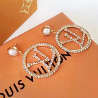 Louis vuitton fashion hit for casual women with diamond-encrusted round earrings