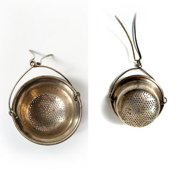 Vintage Silver Plated Tea Strainer , Vintage Tea Infuser , Mother's Day Gifts , Tea Party Gifts .