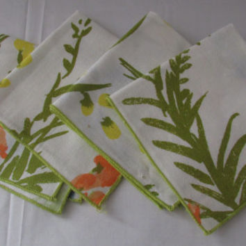 14-1117 Vintage 1960s Vera Napkins / Vera Neumann Lunch Napkins / Floral Decorative Napkins / Set of Four Napkins