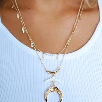 Follow My Lead Necklace: Gold/Ivory