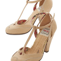 Bettie Page Vintage Inspired Classic Confection Heels in Tan