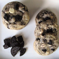 Cachet Cookies and Cream Cookies 1 Dozen - Qs GOODIES