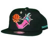 ONETOW Mitchell & Ness 1996 NBA All Star Chili Pepper Snapback In Black