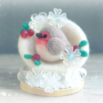 Needle felt robin bird Christmas ornament, handmade bird in snowball holiday decor, winter bird in snow with hollies, gift under 25