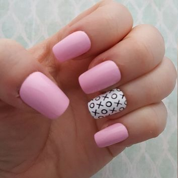 Pink Valentines Day Nails   Pink and Black Nails   Simple Nails   Valentines Day Nails   Fake Nails   Press on Nails   Artificial Nails  