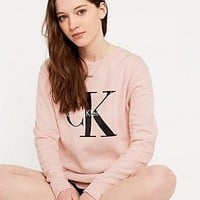 Calvin Klein Jeans Sweatshirt in Pink - Urban Outfitters