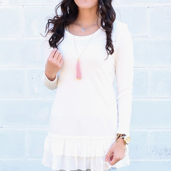 Ruffled Bottom Thermal Top {Ivory}