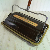 Antique Wood & Metal Carpet Sweeper - Vintage Bissell's New Grand Rapids BiscoMatic - Wooden Handle Manual Rug Cleaner - Self Cleaning Brush
