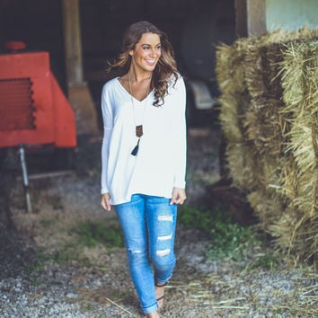 Longsleeve V-Neck Piko Top in Off White