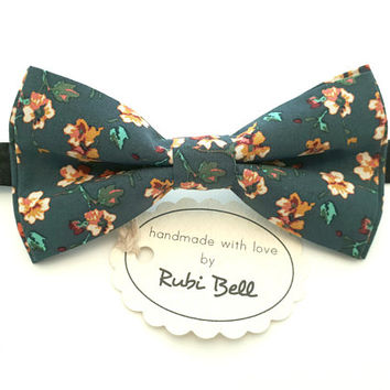 Green Floral Bow Tie - Green Bow Tie With Small Flowers - Mens Bow Tie - Groomsman Bow Tie - Wedding Tie - Pocket Square - Bow Tie For Men