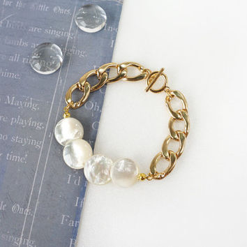 Mother of Pearl Smooth Coin Shell Bracelet with Gold Steel Chain, White Ivory Luster Elegant Shell Jewelry