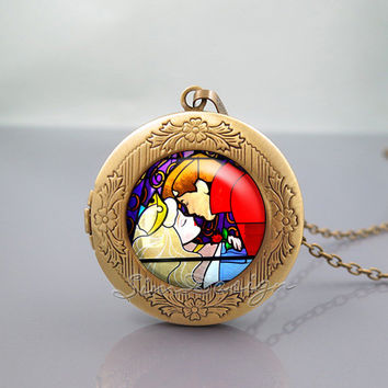 Sleeping Beauty Kiss Photo Locket Necklace,Stained Glass Sleeping Beauty Kiss,vintage pendant Locket Necklace