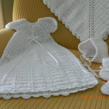 4 pc.CHRISTENING Set Beautiful Hand Crocheted/Paton's Beehive Baby Yarn/bonnet/gown/blanket/booties/FREE SHIPPING