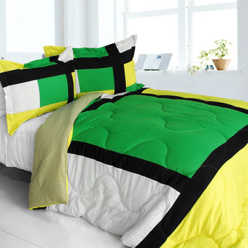 Lush World Quilted Patchwork Down Alternative Comforter Set in Full/Queen Size