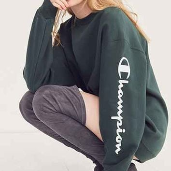 Champion + UO Powerblend Crew-Neck Sweatshirt - Urban Outfitters