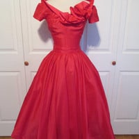 """ON LAYAWAY 2-Piece Set 1950's Vintage Hot Pink Iridescent Off the Shoulder Top and Skirt Party Dress Set XS/S 25"""" Waist"""