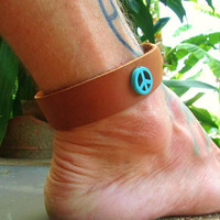 Mens Leather Anklet / Leather Ankle Bracelet / Mens Leather Ankle Cuff / Peace Sign Anklet / Leather Manklet / Button Ankle Bracelet