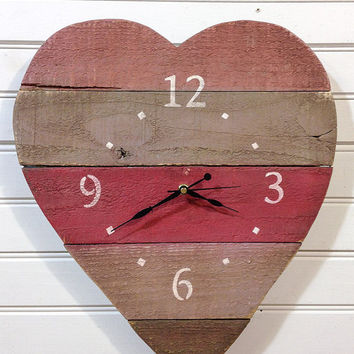 Painted wood Heart clock - decorating ideas, shabby chic decor wooden rustic wall clock. Rustic wood wall decor for a beach or lake house.