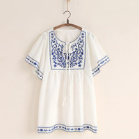 Hot Sale White Women Ethnic Embroidered Boho Hippie Peasant Mexican Loose Gypsy Blouse Tops Free Size Free Shipping