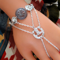 Bracelet, Cowboy Hand Chain, Western, Infinity Ring, Slave Bracelet Ring, Country Jewelry, Hand Harness, Wristlet, Silver