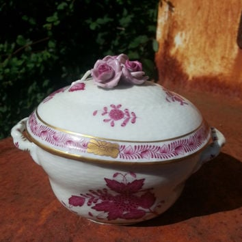 Herend Hungary handpainted porcelain Chinese Bouquet, Raspberry small covered tureen, ..