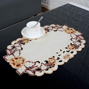 yazi Embroidered Floral Oval Table Placemats Fabric Table Doily Cover Mats 30x45cm Wedding Party Dining Decoration