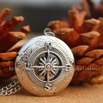 Antique compass locket necklace jewelry Gift-Vintage Style