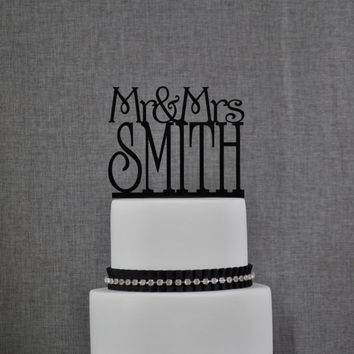 Custom Mr and Mrs Cake Topper in your Choice of Colors, Personalized Last Name Topper, Elegant Wedding Topper, Modern Topper (S001)