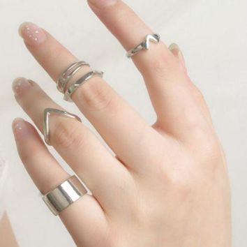 ONETOW Fashion new punk wind metal smooth V - shaped rivet joint ring 5 sets