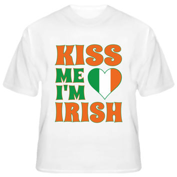 Unisex Kiss Me I'm Irish Heart St Patricks Day T-Shirt