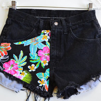 Hawaiian Flowers High waisted denim shorts