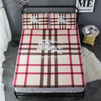 Dior & Givenchy & Burberry New fashion letter star plaid print 1.8 m and 1.5 m soft mat single double soft bed supplies mattress pillow case