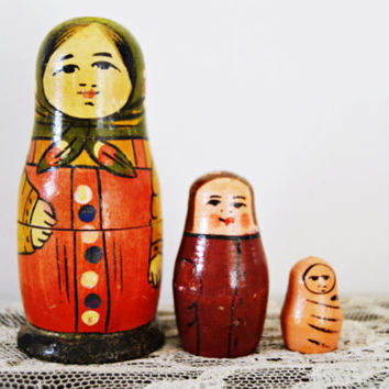 Antique Russian Nesting Doll Family of Three