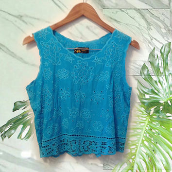 80s Boho Turquoise Floral Cutwork Crochet Crop Boxy Fit Hawaiian Tank Top size Medium
