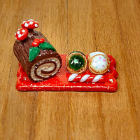 Save a tree eat a Christmas trunk! - Miniature of Christmas goodies Three