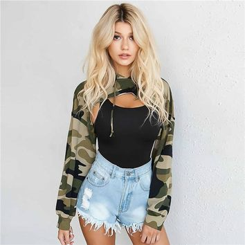 Women Tops Camouflage Hooded Sweatshirts Super Short Hoodies Summer 2018 Hip Hop Street Wear Sexy Camouflage Tops Long Sleeve