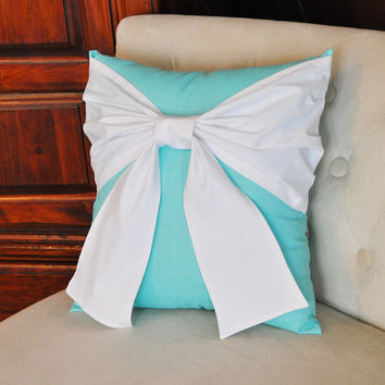 throw pillow white bow on bright aqua from bedbuggs on etsy. Black Bedroom Furniture Sets. Home Design Ideas