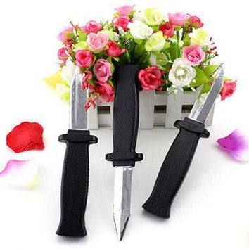 1pcs Trick Dagger Knife Retractable SLIDE IN Blade Fun Joke Prank Halloween Prop Fake