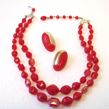 Vintage Red Bead Necklace with matching red/gold clip earrings - Timelespeony